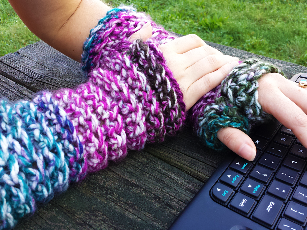 Wrist Warmers Crochet Pattern by Unseign